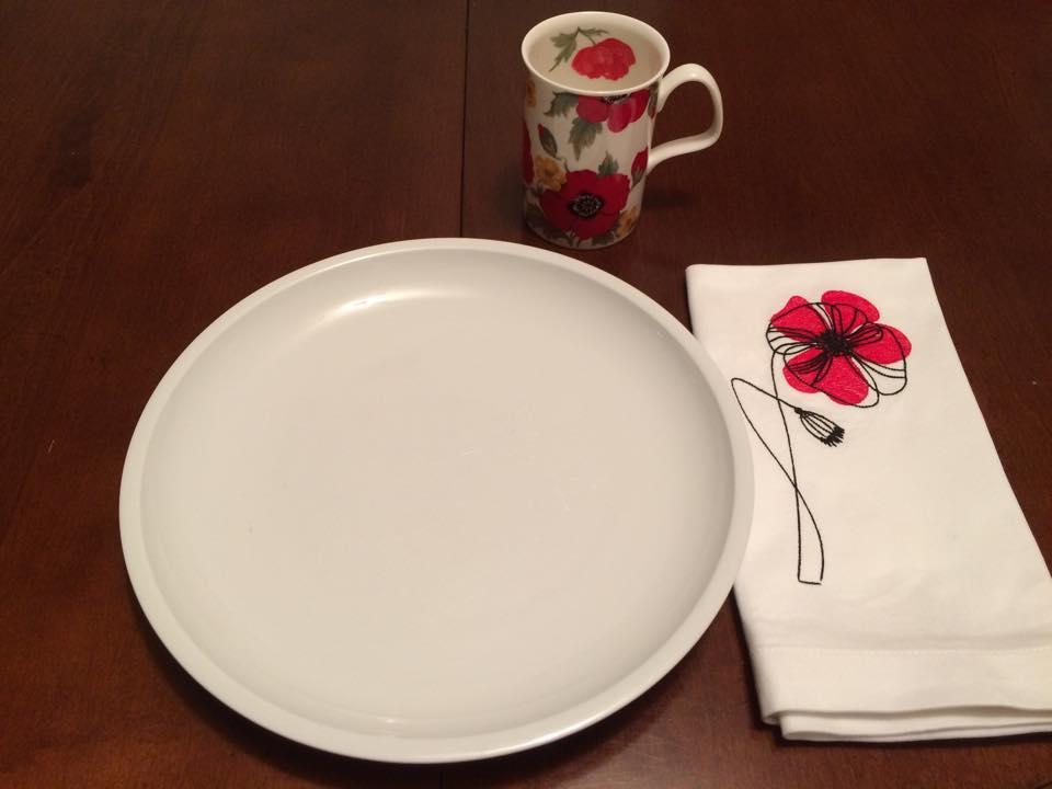 Embroidered napkin with Tulip free design