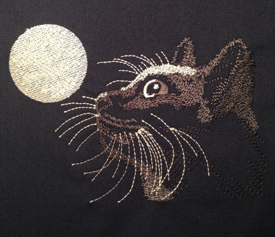 Moon and Cat embroidered free design