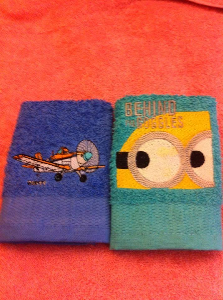 Embroidered towel with Minion and airplane design