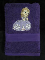Embroidered towel with Sofia the first
