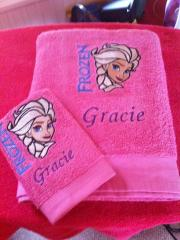 Embroidered towels with Elsa frozen design