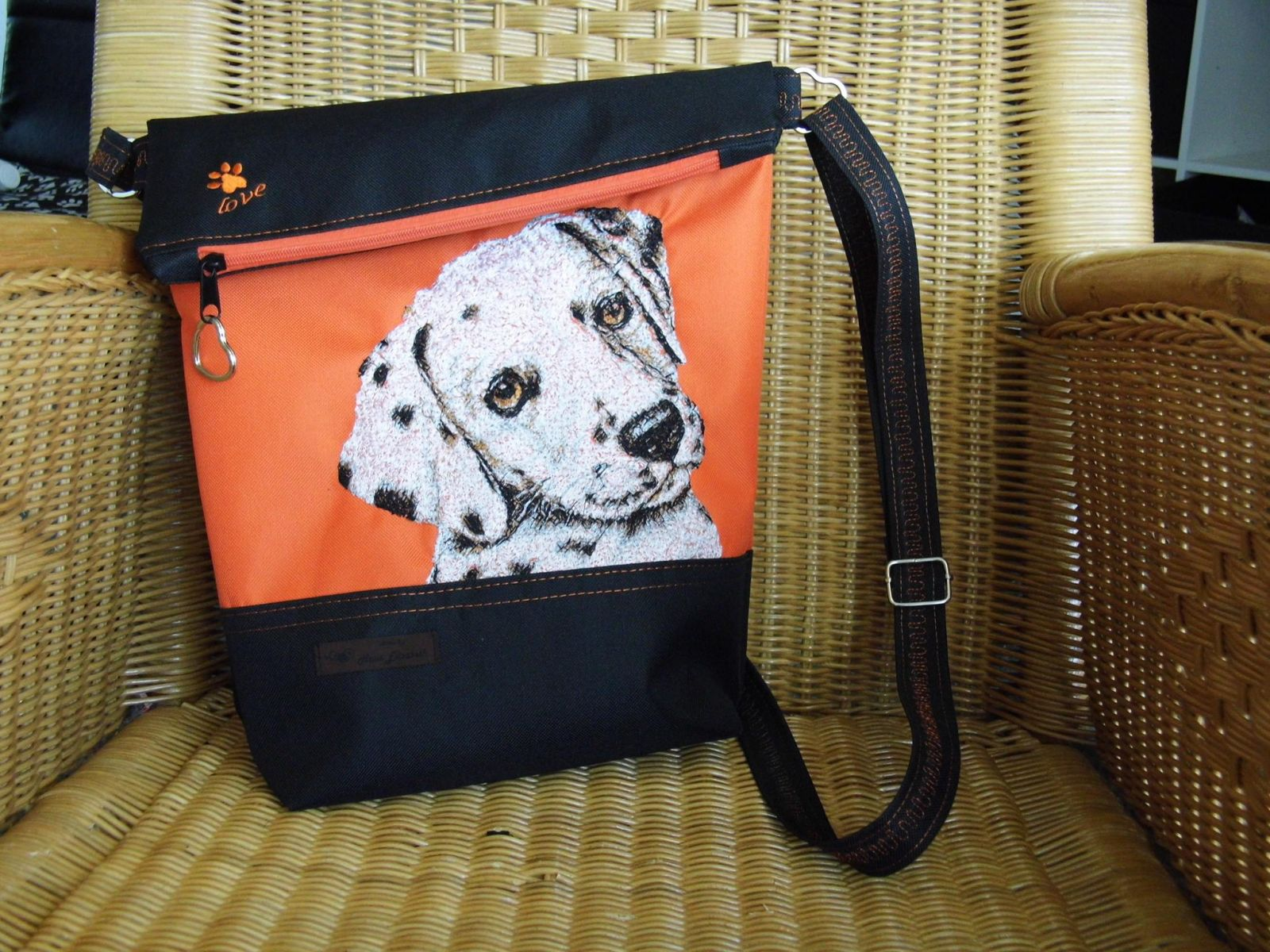 Bag with dog free machin embroidery design
