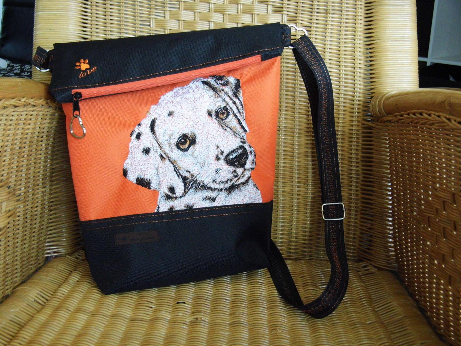 Bag with dog photo stitch free embroidery design