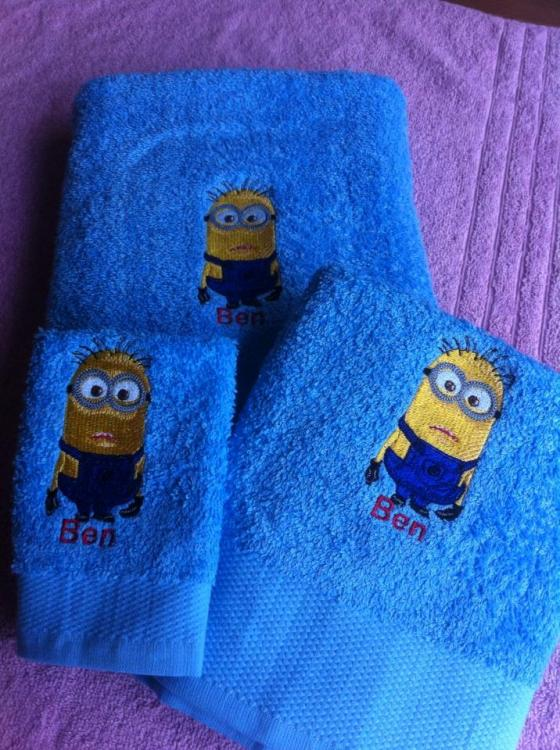 Embroidered towel with Minion designs