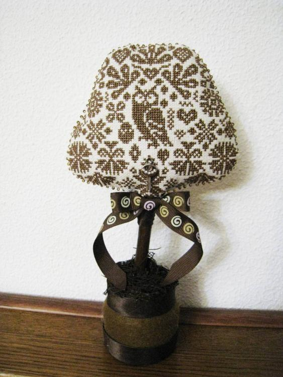 Owl embroidered decoration