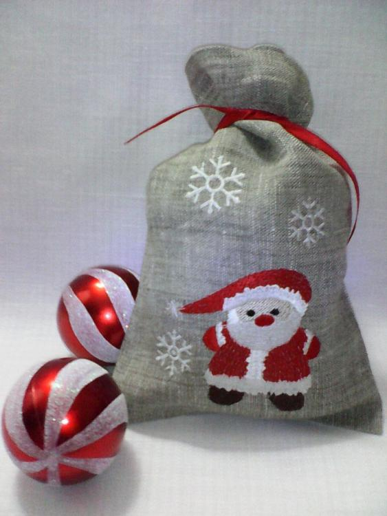 Gift bag with Santa Claus free embroideyr design