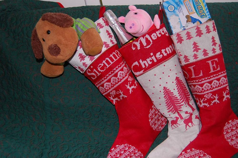 Christmas socks embroidered with free design