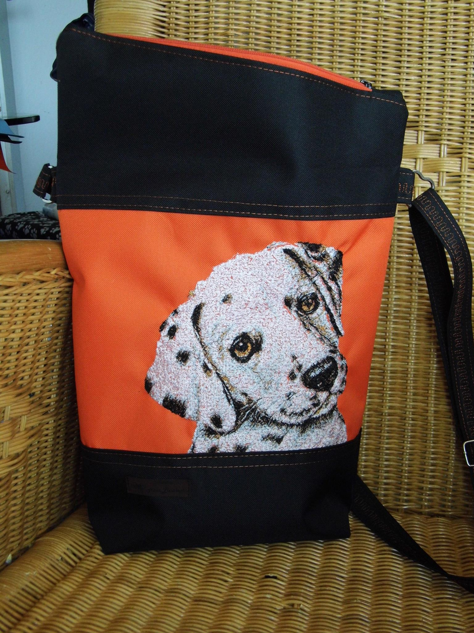 Bag with free Dalmatinian dog photo stitch design