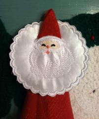 Christmas serviette with Santa free embroidery design