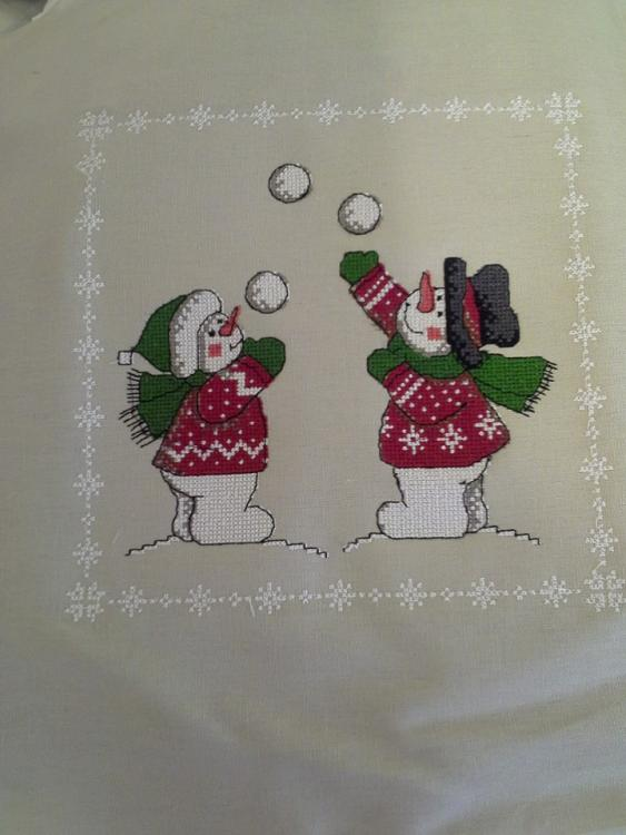 Snowball games free embroidery design