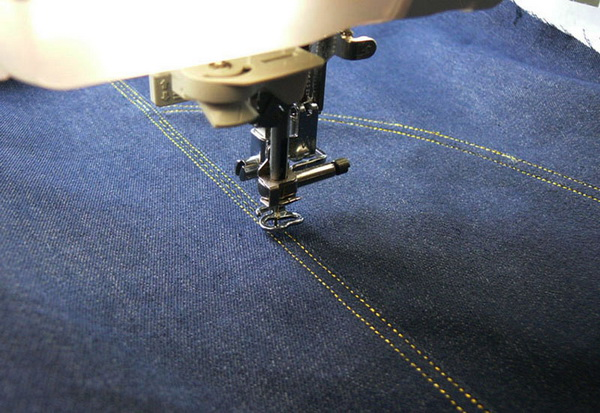 embroidery-along-the-seam-08.jpg.6e70f18