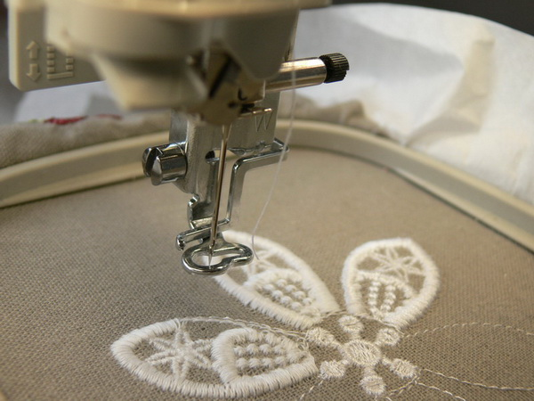 embroidery-quality-11.jpg.58d2f17125b8b7