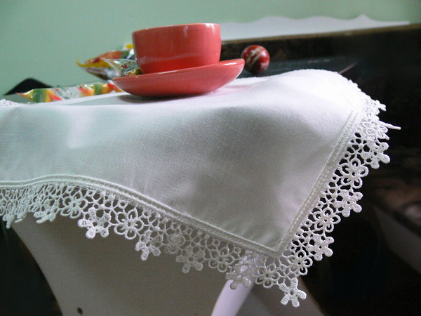 lace-edging-01.jpg.fad711d7d3ff208850408