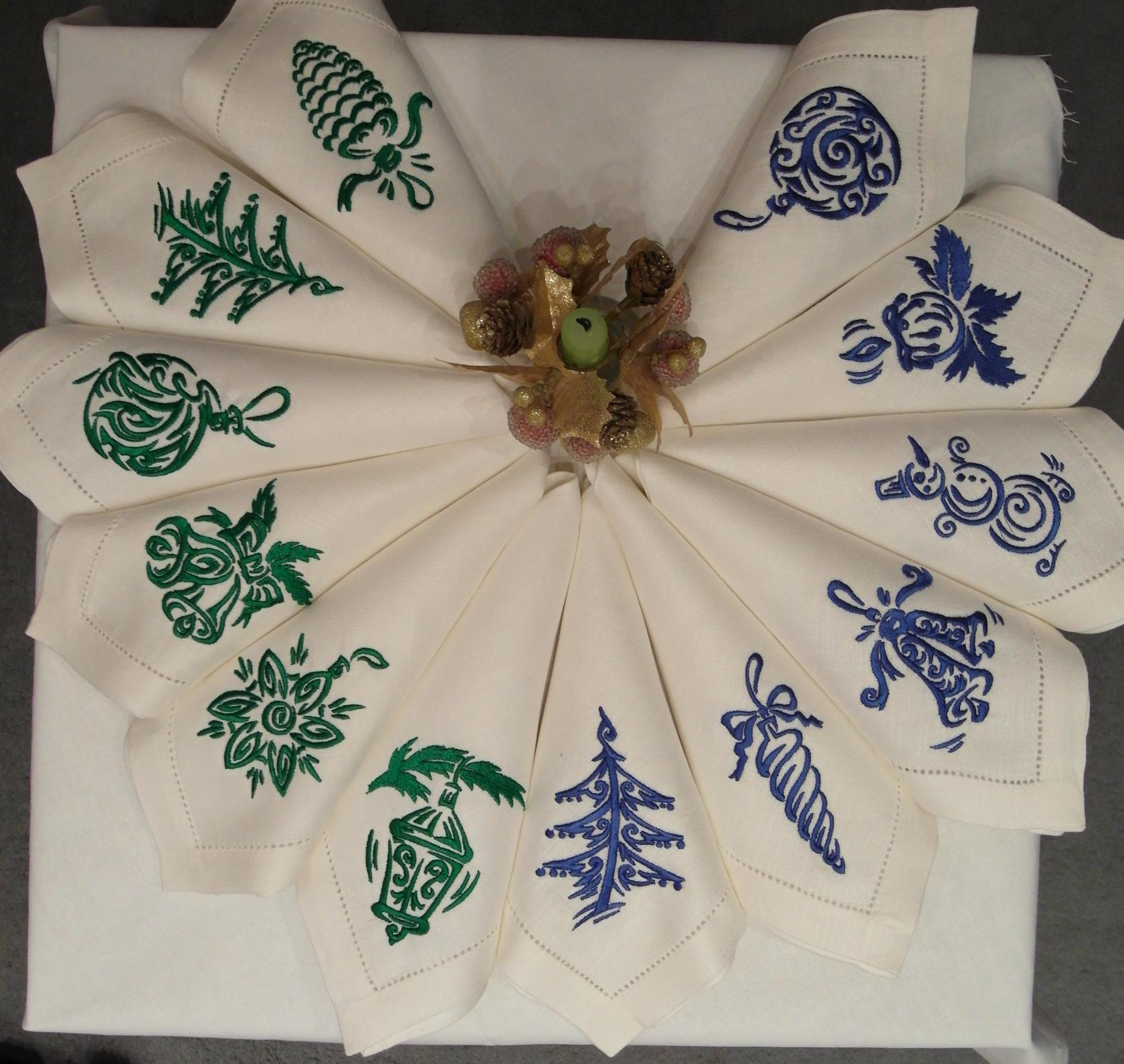 Christmas And Ny Napkins With Green And Blue Free Designs Holidays Embroidery Design Machine Embroidery Community