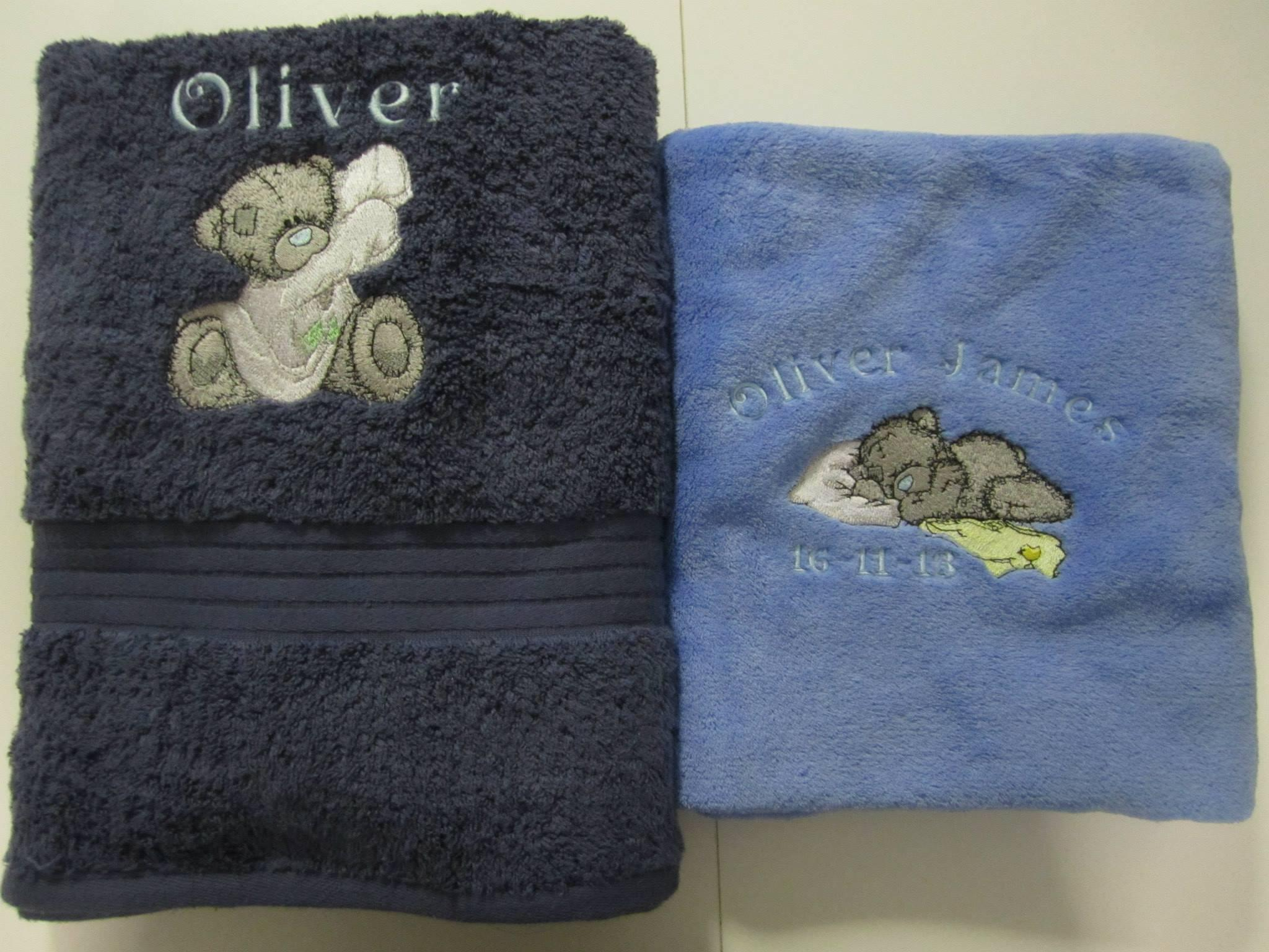 Towels with Teddy bear embroidery designs