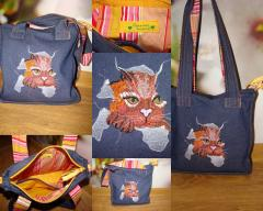 Embroidered bag with Kitty free design