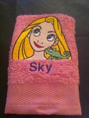 Embroidered towel with Rapunzel design