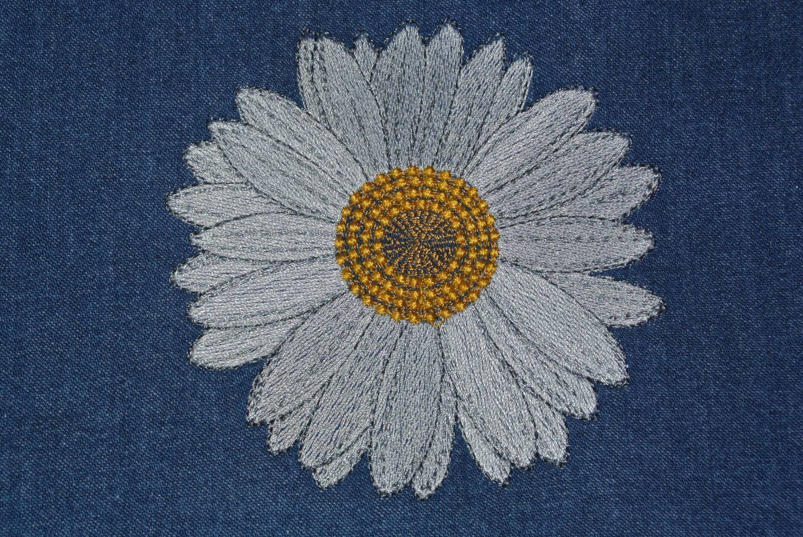 Daisy free embroidery design flowers machine