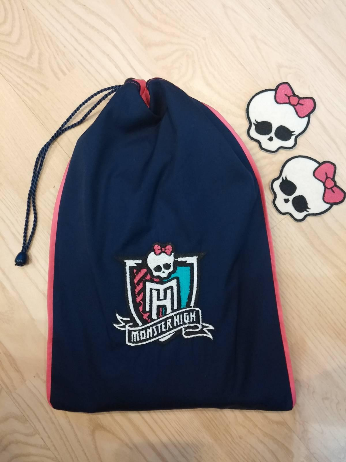 School bag with Monster High logo embroidery design