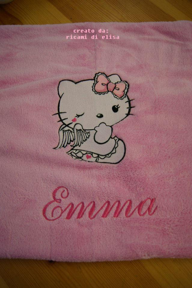 Bath towel with Hello Kitty Angel embroidery design