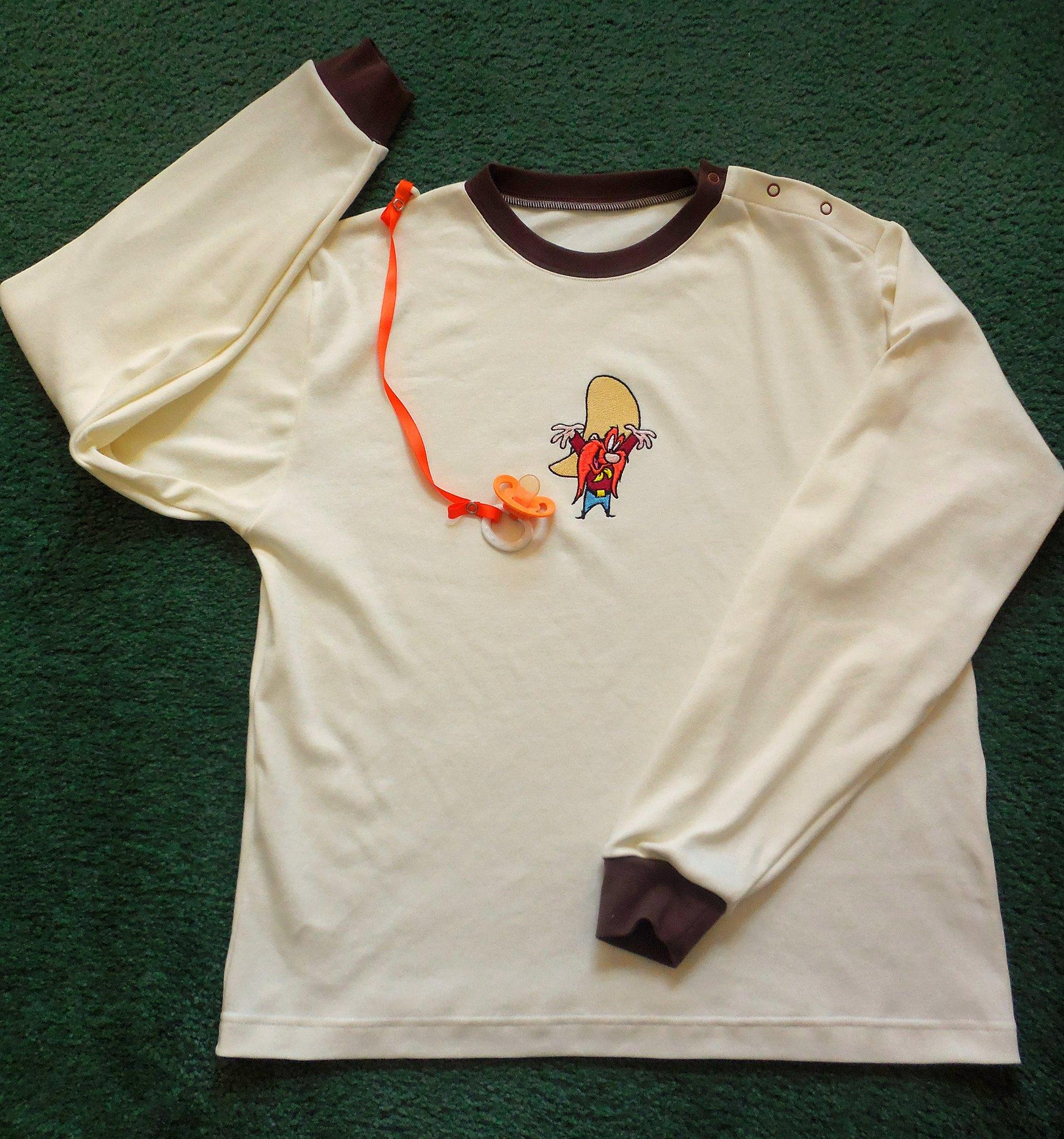 Baby outfit with Yosemite Sam embroidery design
