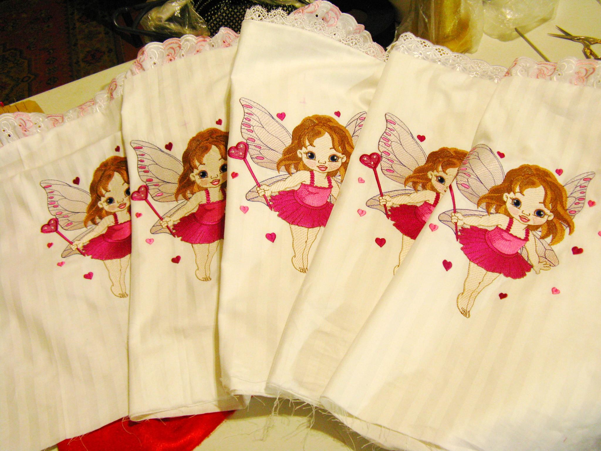 Napkins set with Baby love fairy embroidery design