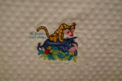 Napkin with Tigger and Eeyore Hi friend dont sleep embroidery design