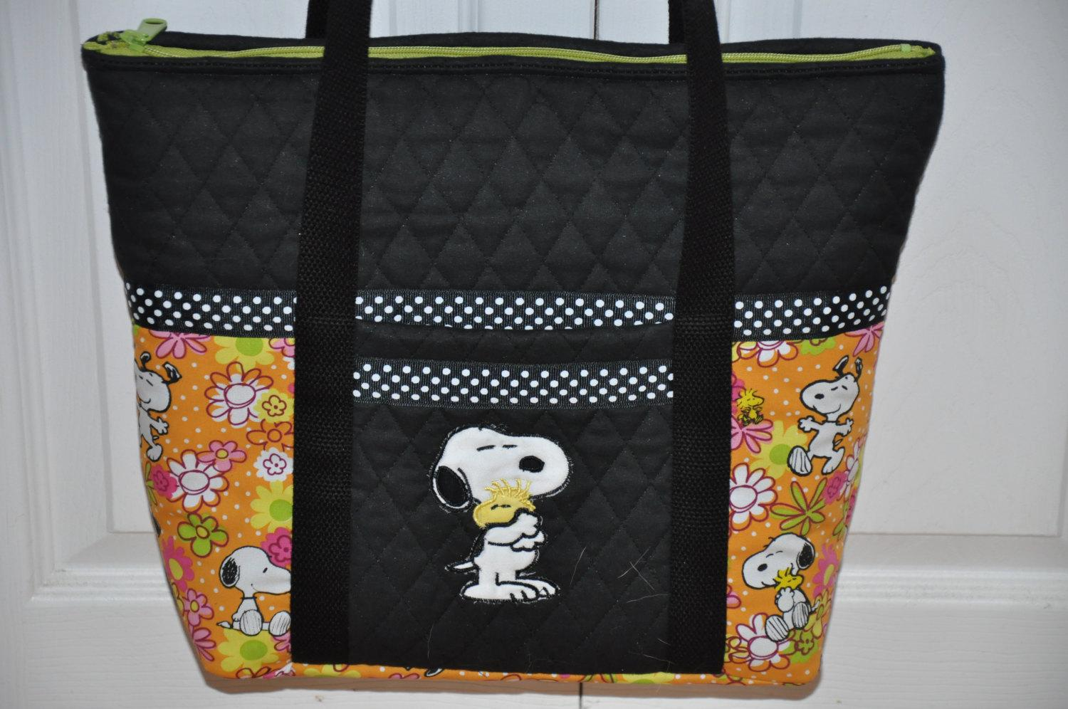 Bag with Snoopy with small friend embroidery design
