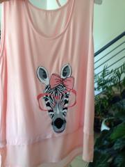 Zebra wearing glasses free embroidery design