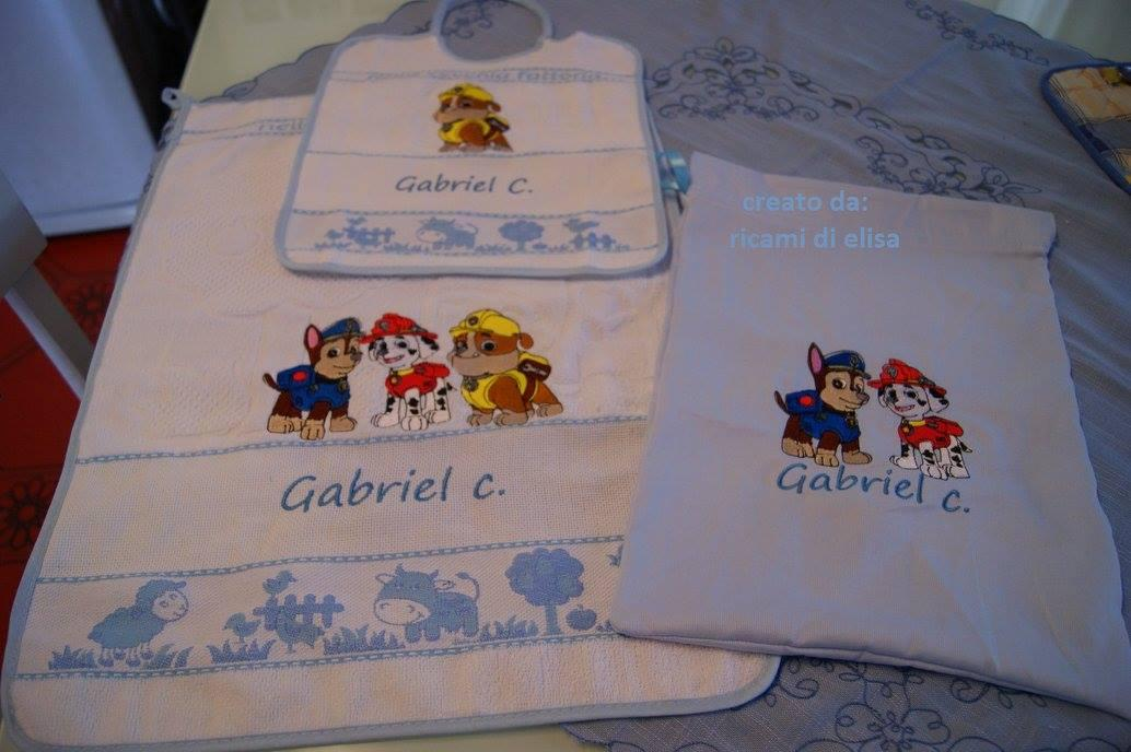 Bag and bib with Paw Patrol embroidery designs