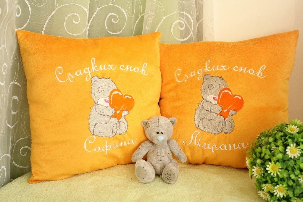 Two pillows with Teddy Bear with a pillow heart embroidery design