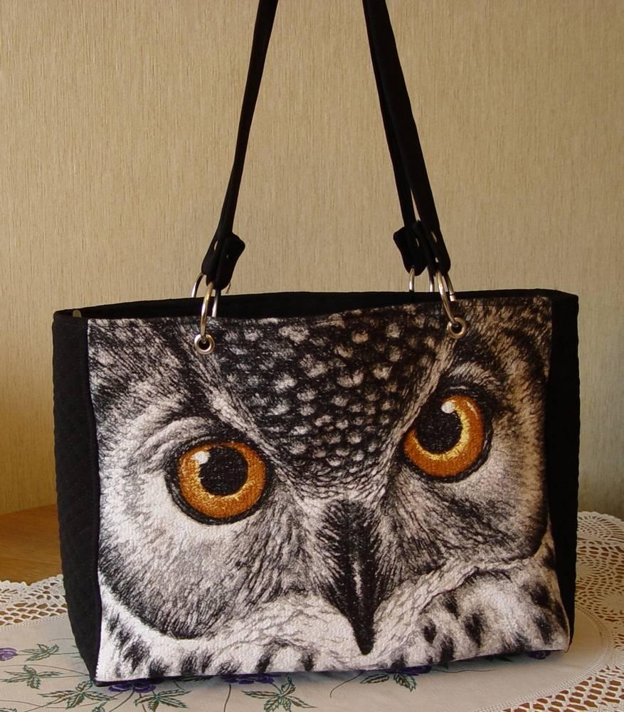 Bag with owl free embroidery design