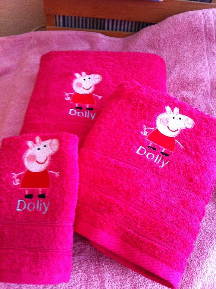 Towels with Peppa Pig embroidery design