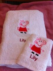 Bath towels Peppa Pig embroidery design