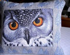 Pillow with owl photo stitch free embroidery design