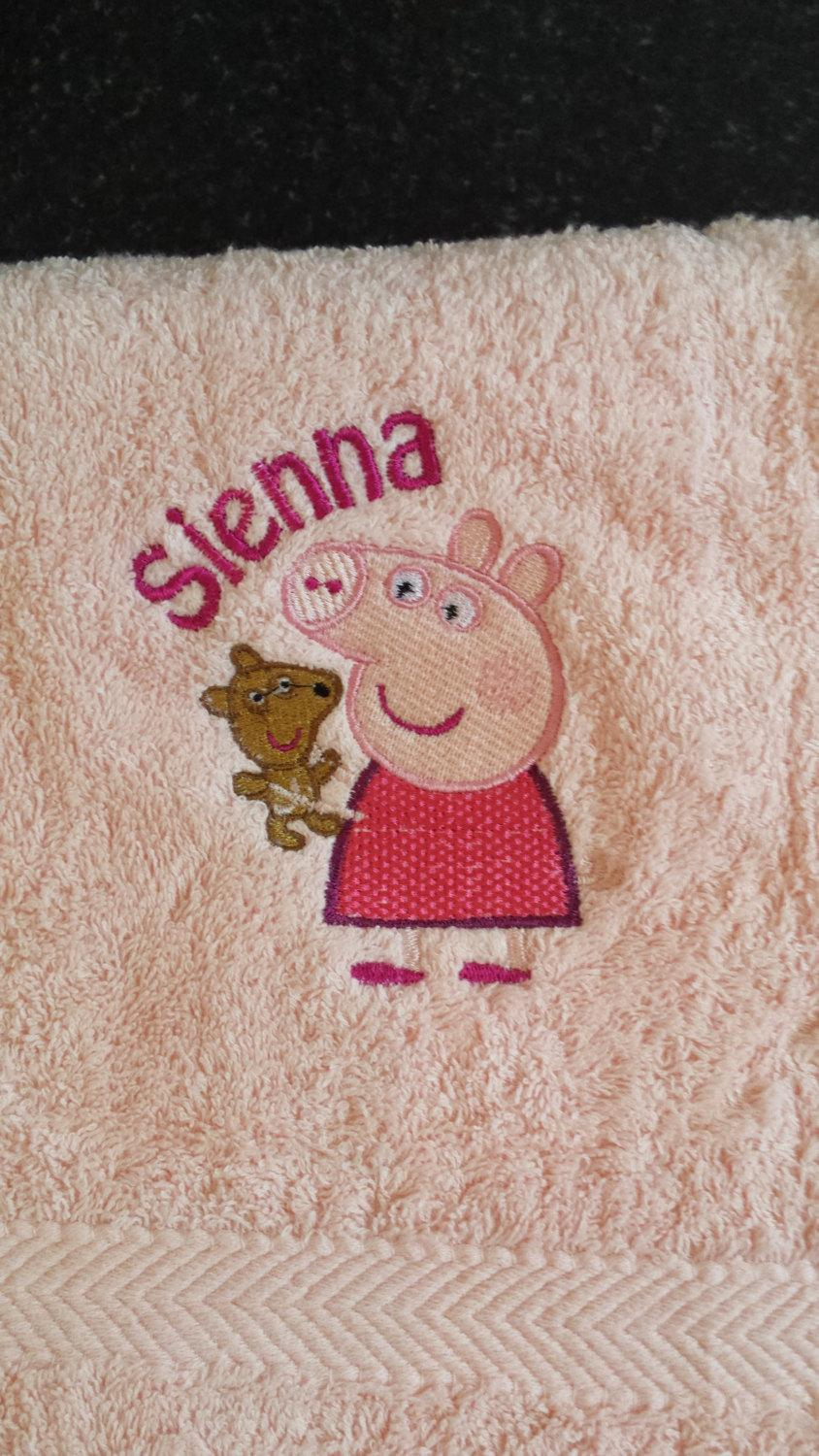 Towel with Peppa Pig with Toy embroidery design