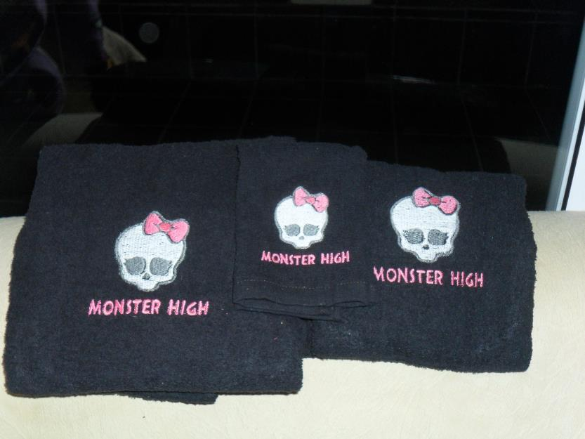 Towels with Monster High logo embroidery design