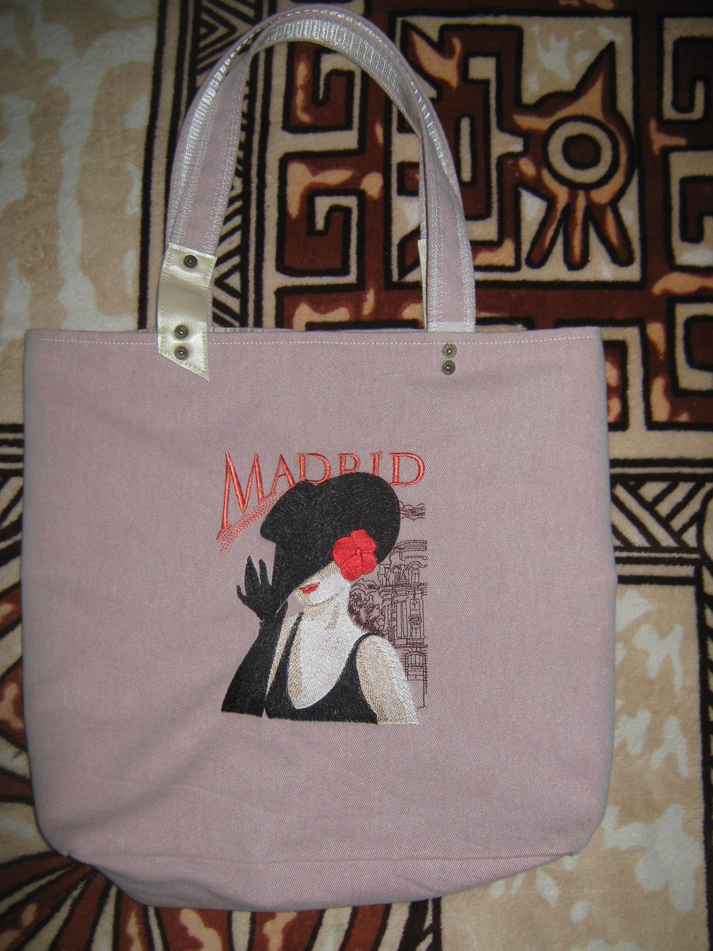 Bag with Spanish coquette machine embroidery design