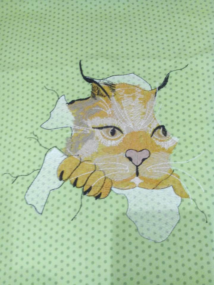 Angry cat free embroidered design