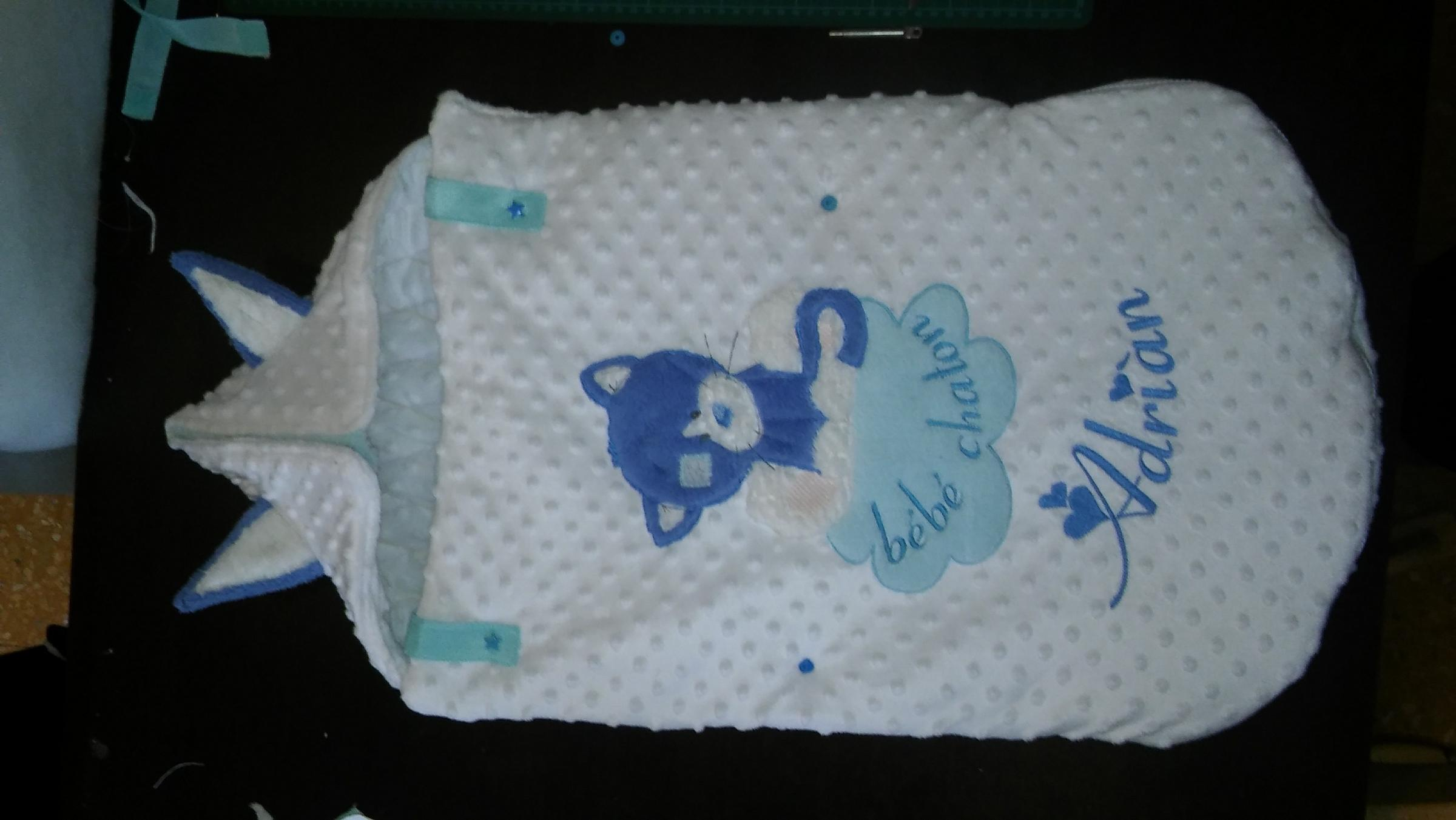 Embroidered bunting bag with Kitty Wink design