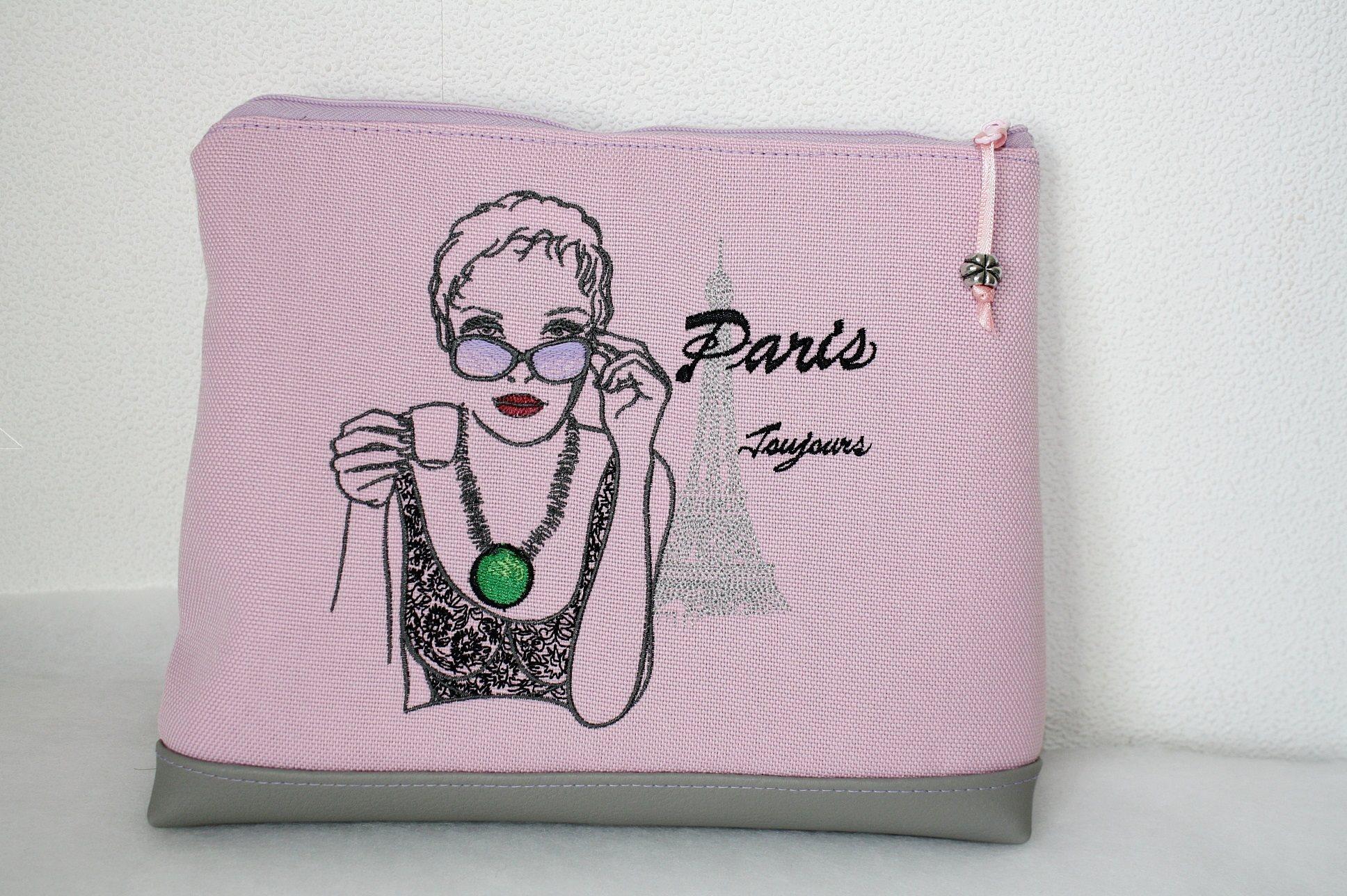 Handbag with Paris Toujours machine embroidery design