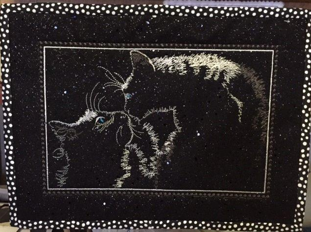 Cats meet framed free embroidery design