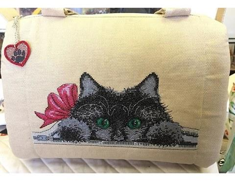 Barrel bag with hidden cat cross stitch free embroidery design