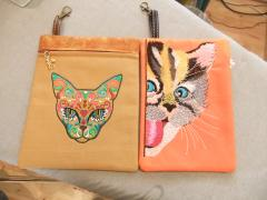 Embroidered purse with cats free designs