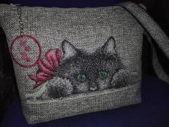 Bag with cat cross stitch free embroidery design