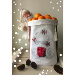 Christmas pouch with cross stitch free embroidery design