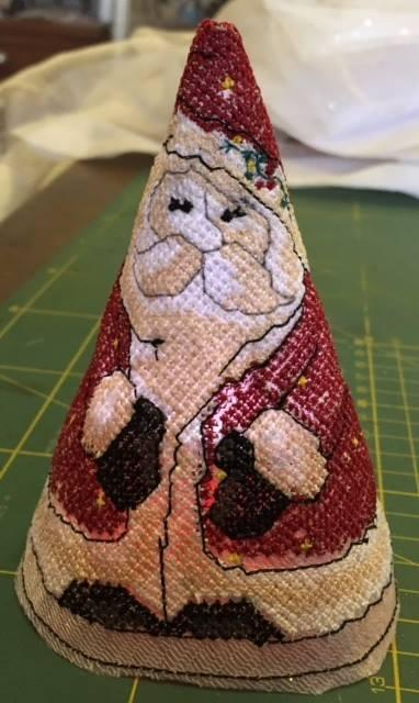 Santa Claus cross stitch free embroidery design