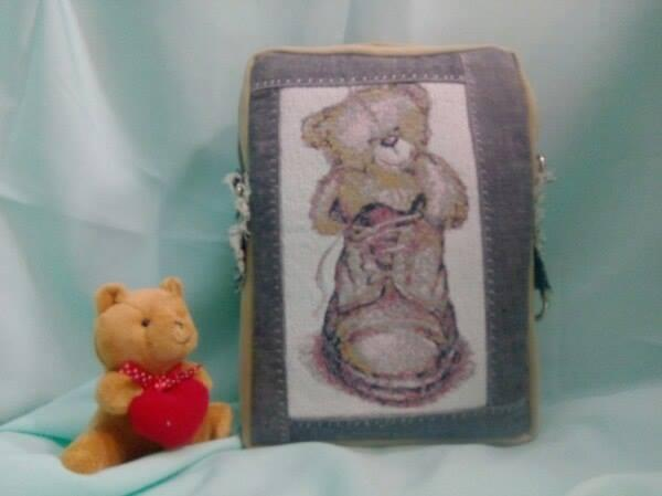 Bag with bear photo stitch embroidery design