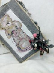 Small bag with teddy bear photo stitch design