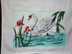 Dishtowel with swan cross stitch free embroidery design